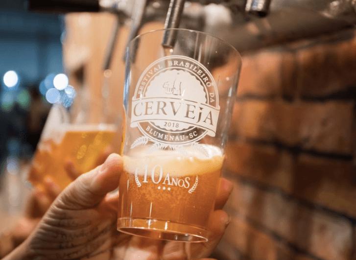 Festival da Cerveja em Blumenau: Copo festivo