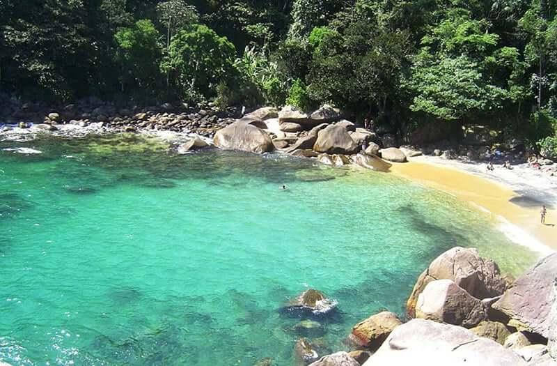 Praia reservada no Rio de Janeiro