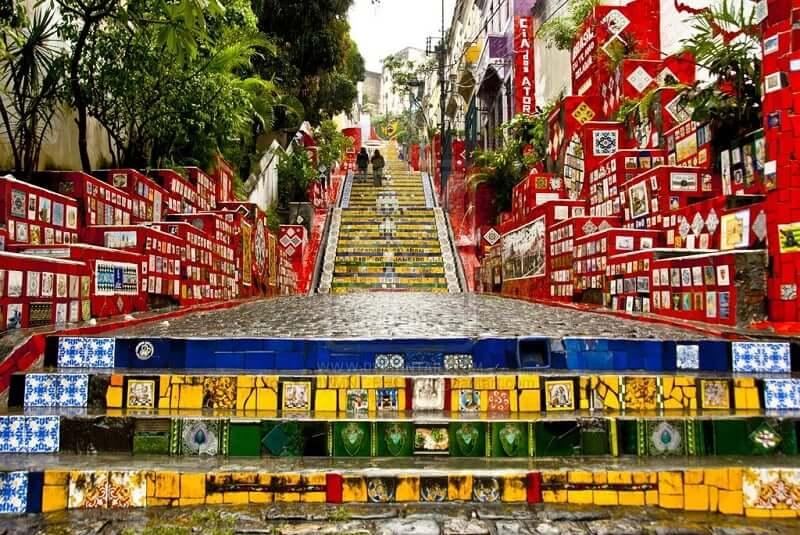 Escadaria colorida do Rio de Janeiro