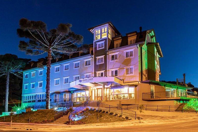 Fachada do Colina Lagos Hotel em Gramado