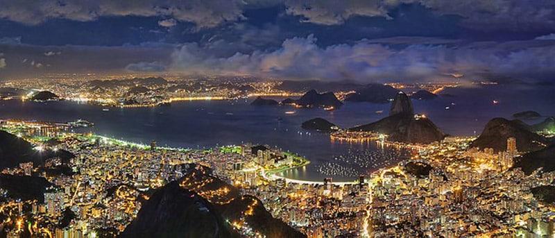 Vista noturna da cidade do Rio de Janeiro