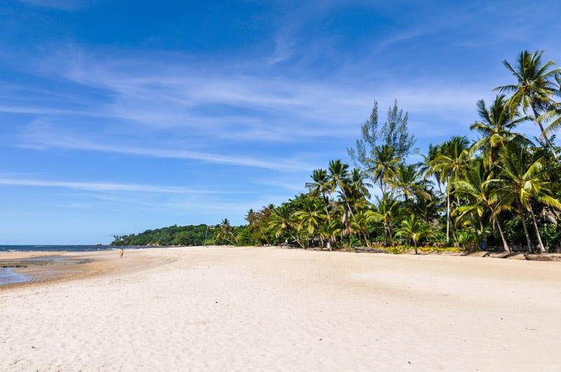 Praia na Ilha de Boipeba em Salvador