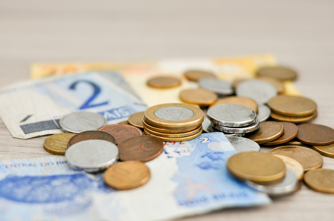 Notas e moedas de reais