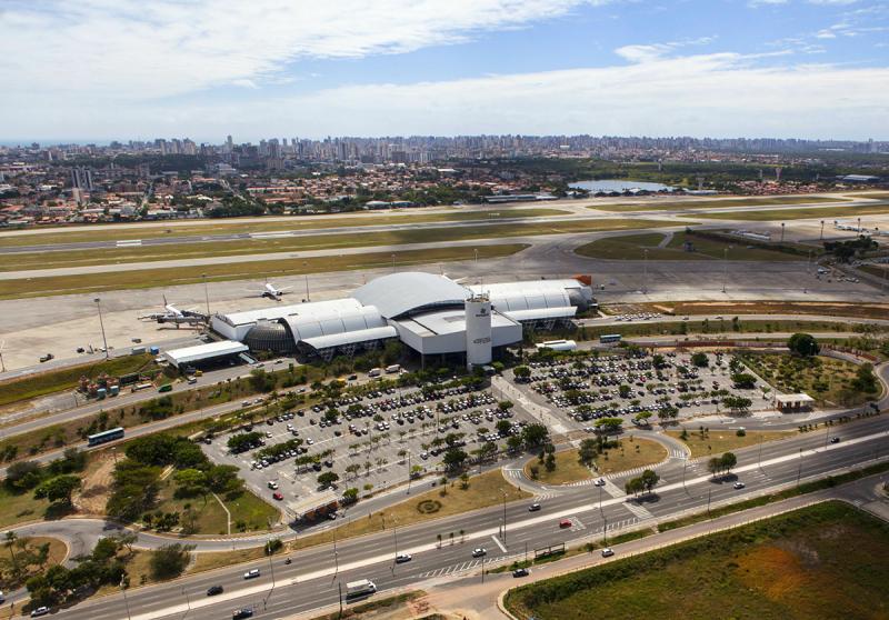 Vista aérea do aeroporto de Fortaleza